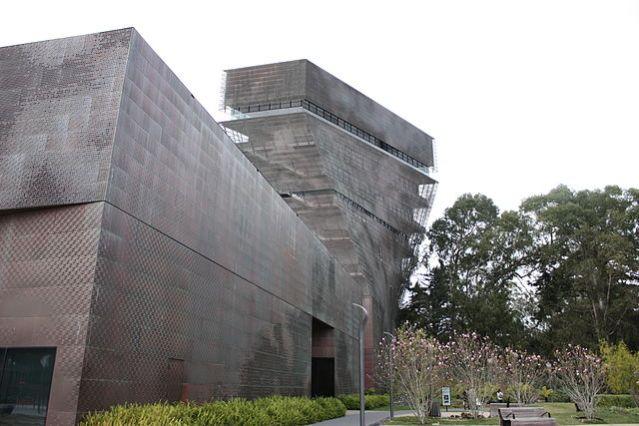Location of the Oscar de la Renta art exhibition