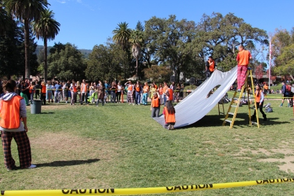 The set up tarp for corn hole.